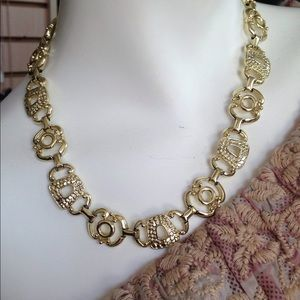 Gold tone fashion necklace